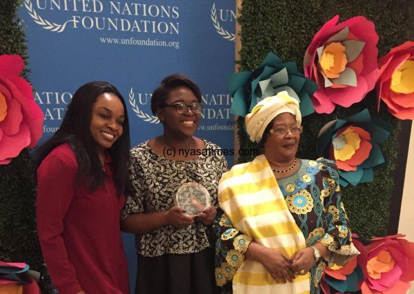 Joyce Banda presents UN award to Girl Up Advocate:...