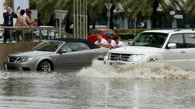 Thundery weather shuts UAE schools disrupts flights