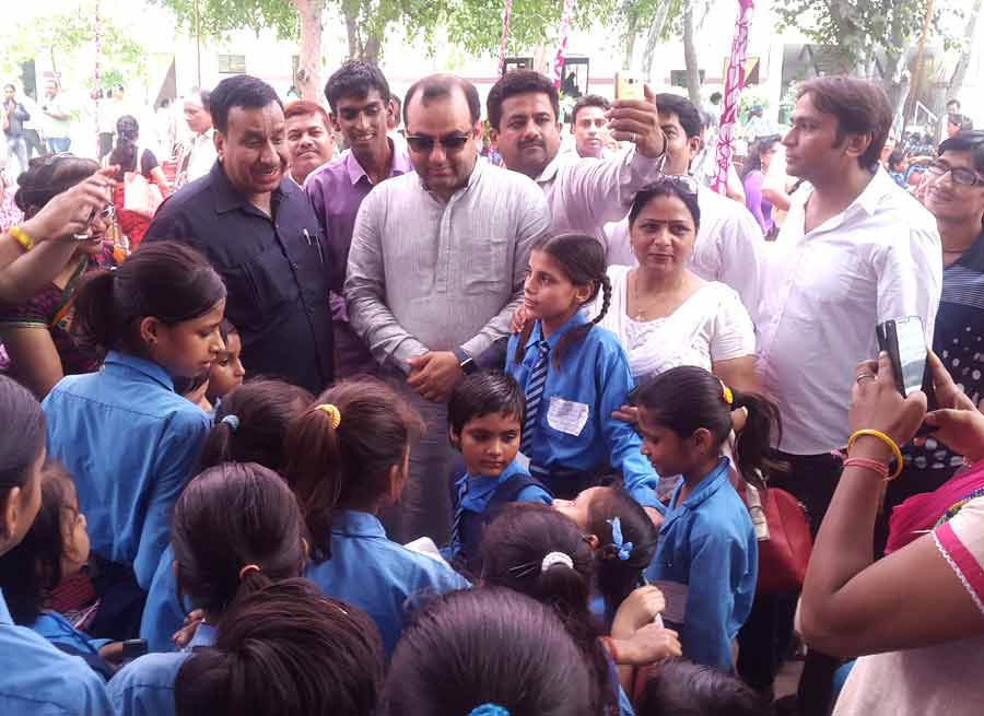 1000 Slum Girls Admitted To Schools Beti Bachao Beti Padhao Mission